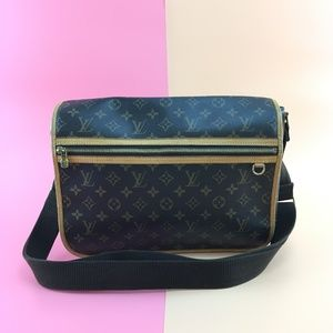 Preowned Louis Vuitton Monogram Bosphore Messenger